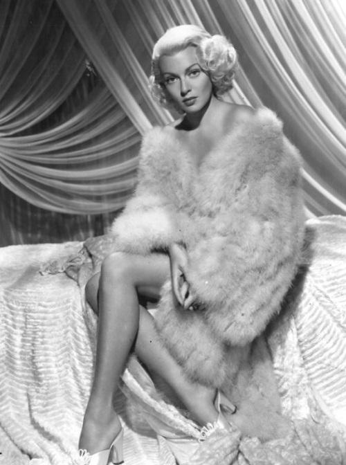Lana Turner Pinup