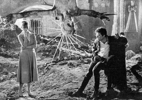Film Noir Ashes and Diamonds