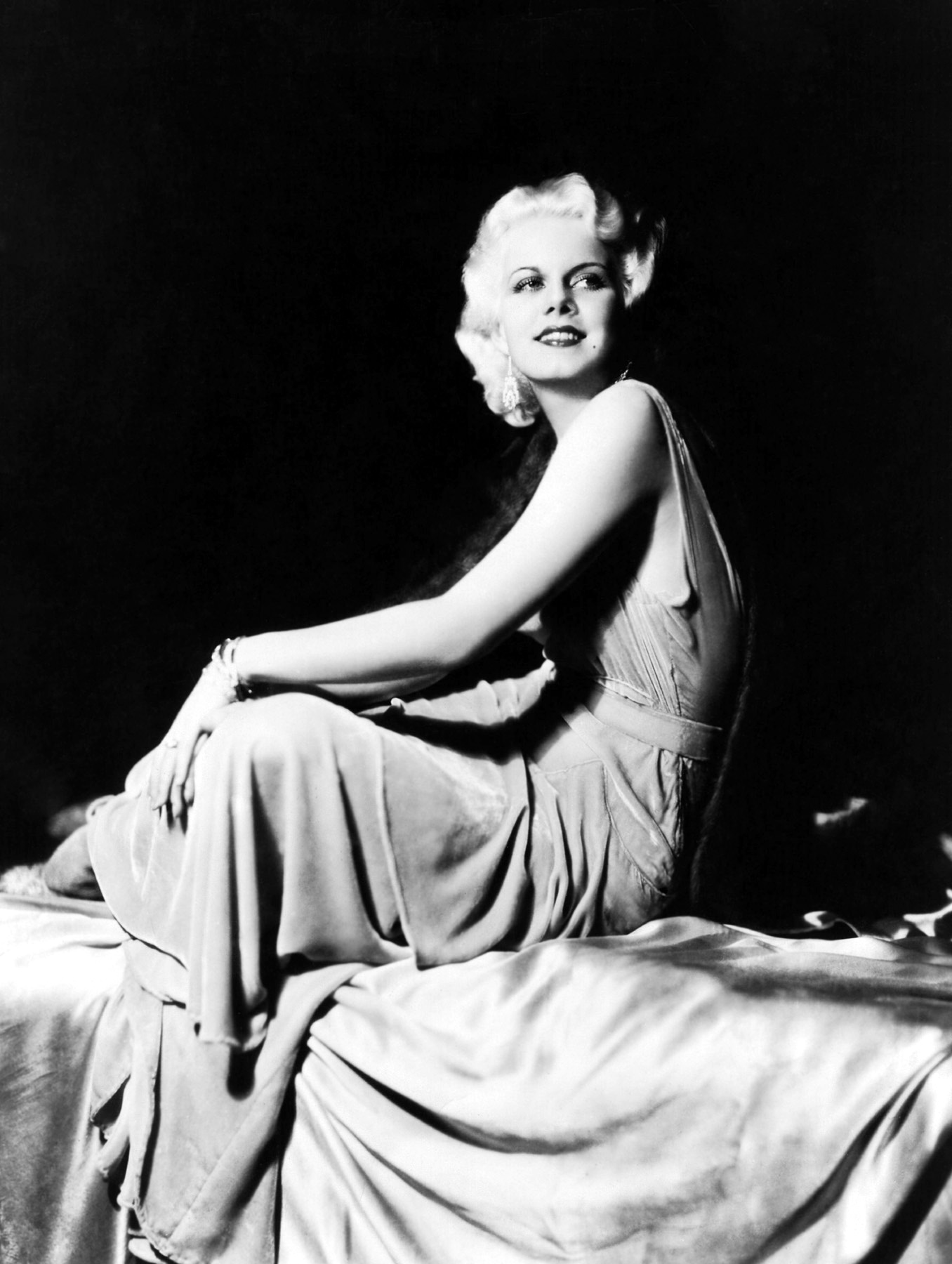 femme fatales jean harlow noirwhale. Black Bedroom Furniture Sets. Home Design Ideas